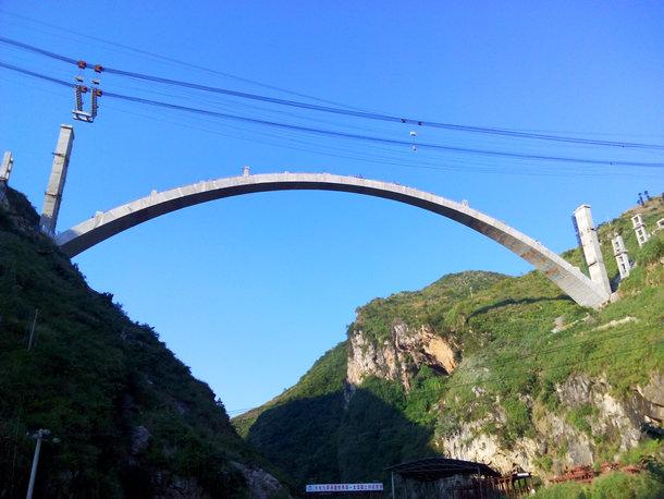 """贵州黔中水利工程之""""世界第一跨""""龙场大渡槽"""